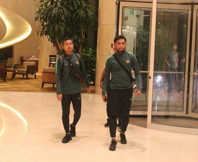 Bình luận U23 Indonesia sang Hà Nội lúc nửa đêm, ra sân tập vào 7h sáng